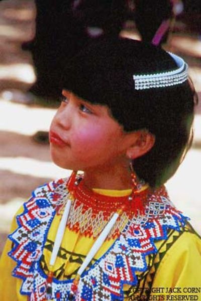 Choctaw girl , traditional dress