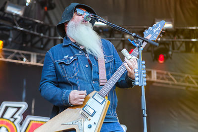 Dave Catchiing, guitar, Eagles of Death Metal