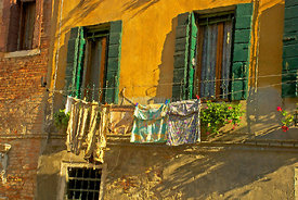 Green_shutters_laundry_brighter