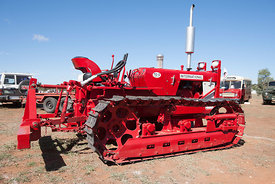 International TD5 Series B crawler tractor
