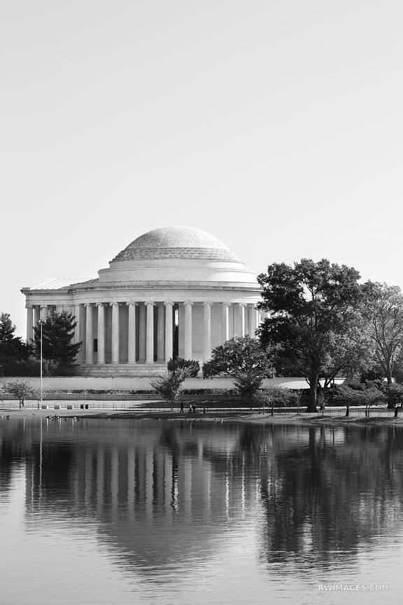 THOMAS JEFFERSON MEMORIAL WASHINGTON DC BLACK AND WHITE VERTICAL