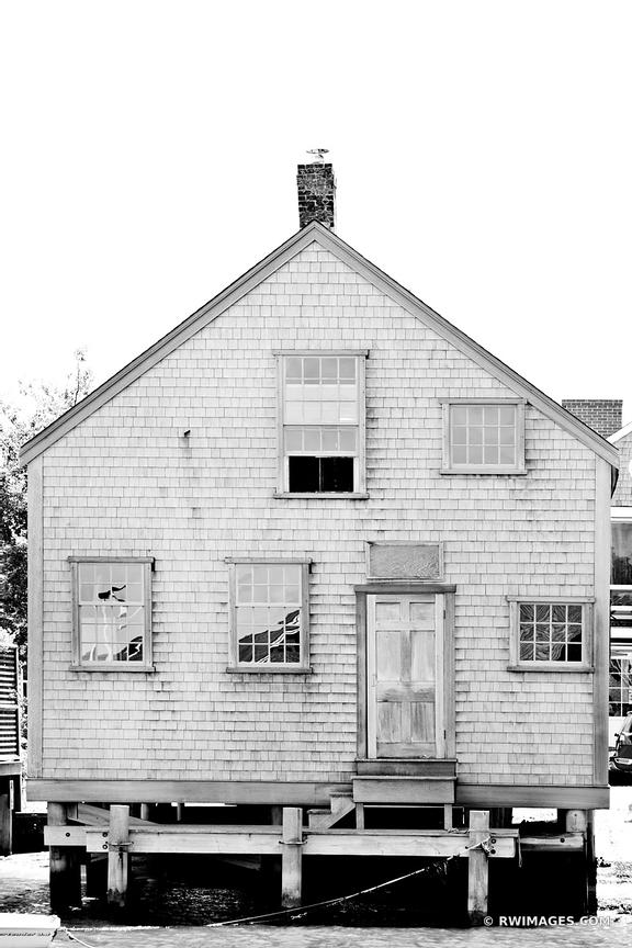NANTUCKET ARCHITECTURE BLACK AND WHITE