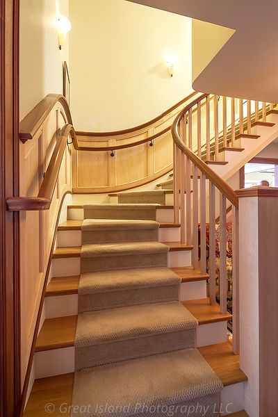 094_Curved_Stair