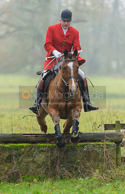 The Cottesmore Hunt at Sauvey Castle 28/11 photos