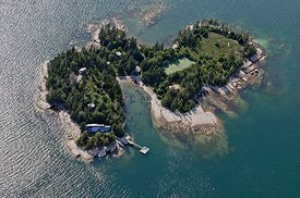 Island_homes_and_tennis_Stonington_7-7-12_Deer_191
