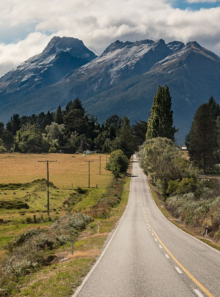 Mt Earnslaw north of Glenorchy