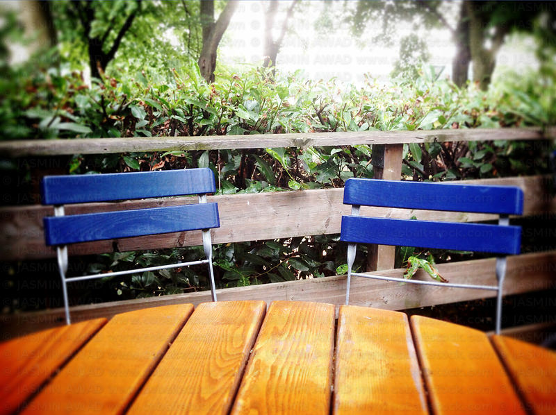 table_and_chairs_after_rain