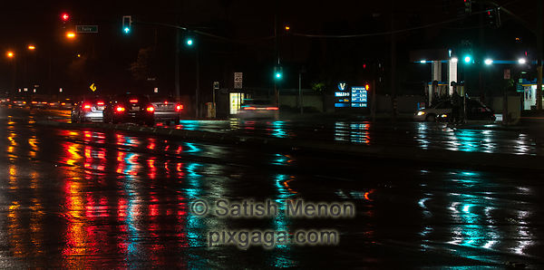 Traffic Lights and Reflection in Rain