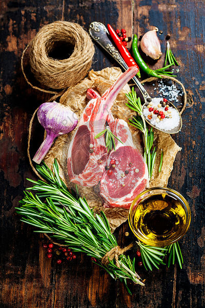 Raw lamb cutlets