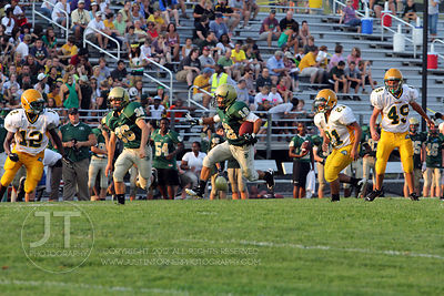 IC_WEST_HEMPSTEAD_FOOTBALL08