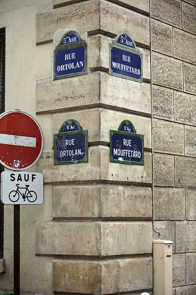 France - Paris - Road signs for the Rue Mouffetard