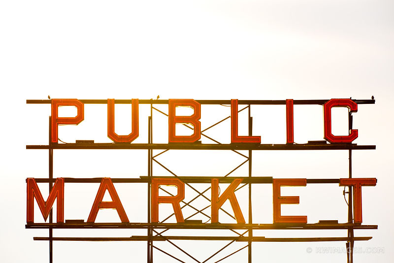 PUBLIC MARKET NEON SIGN SEATTLE COLOR