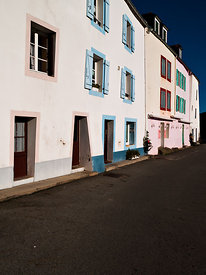 Colored buildings facades, Sauzon