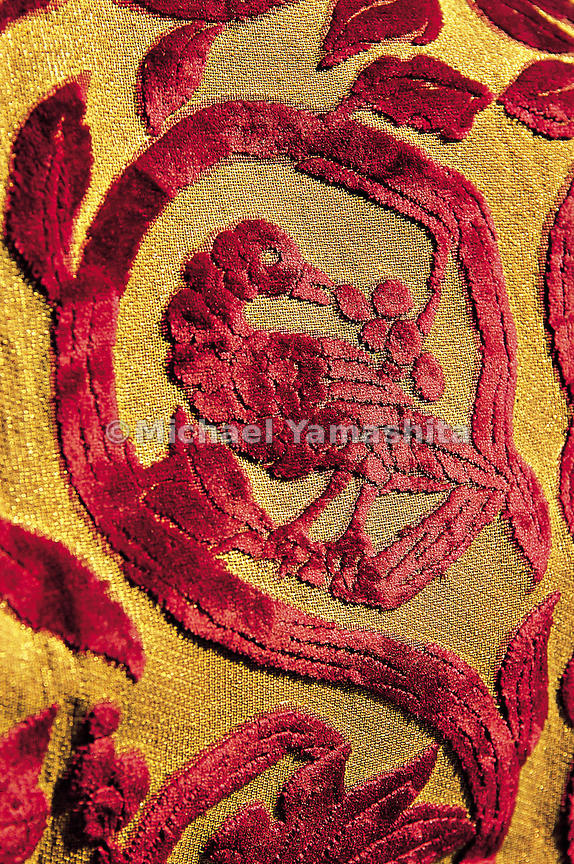 A silk cloth showing the Polo family crest.