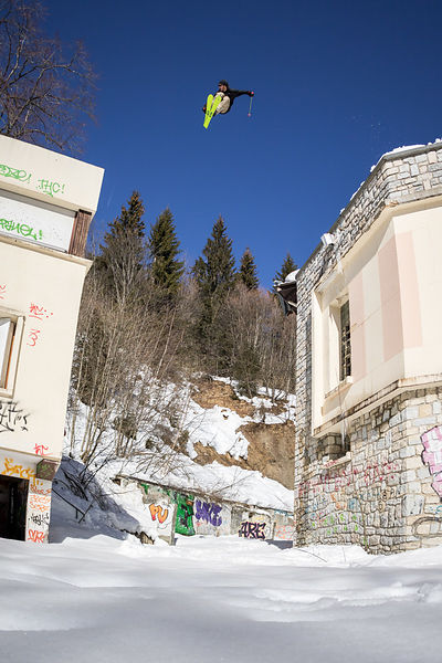 _U2A0729-etienne_merel_faction_faction_skis_freeski_freestyle_grenoble_st_hilaire_du_touvet_street_street_skiing_urbain_urban_urban_skiing_original