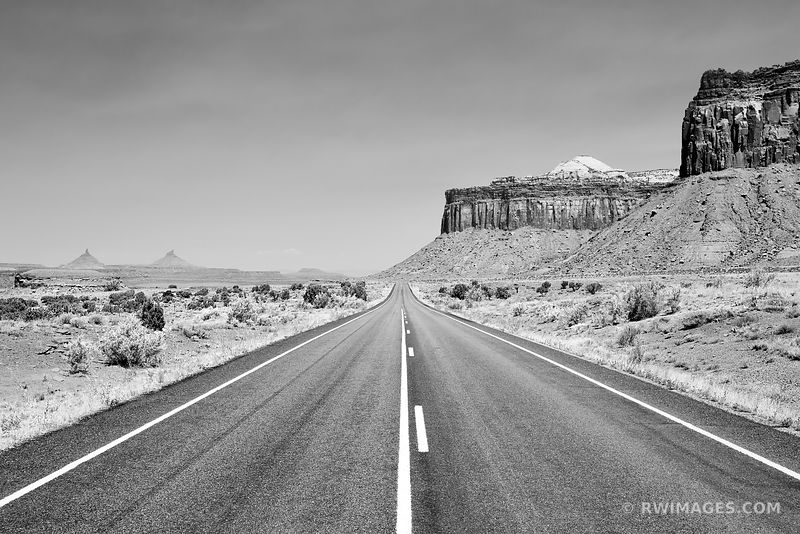 ROAD TO THE NEEDLES DISTRICT CANYONLANDS NATIONAL PARK UTAH BLACK AND WHITE
