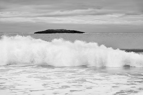 VIEW OF THE OCEAN FROM SAND BEACH ACADIA NATIONAL PARK MAINE BLACK AND WHITE