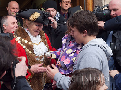 the silver ball is returned to the mayor at the St Ives Feast