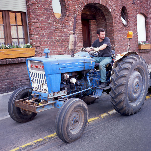 003-EU13031_Ford_Tractor_Preview