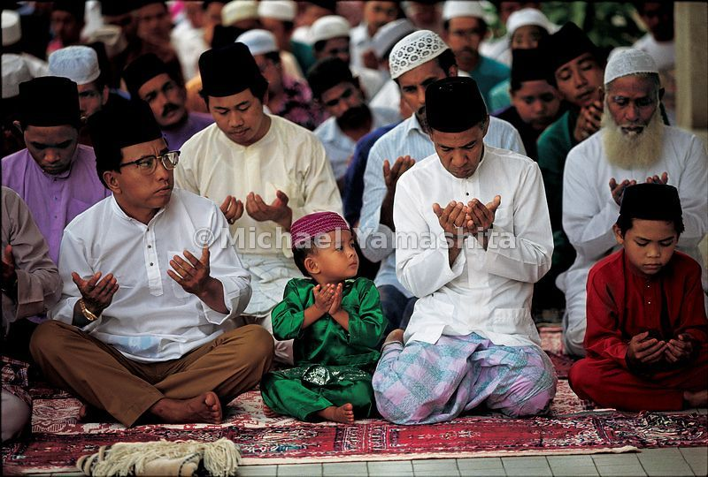 Children today are taught the fundamentals of Islam at an early age, as was the young Zheng He.