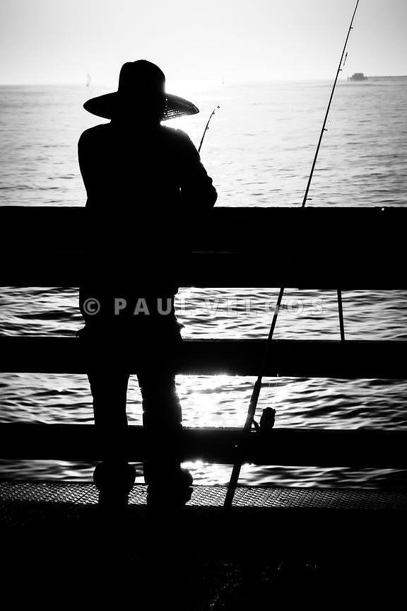 Image newport beach fisherman pier fishing picture large for Newport pier fishing