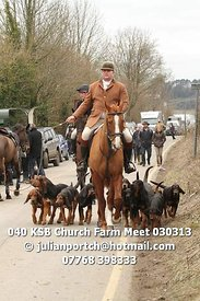 Kent & Surrey Bloodhounds Church Farm Meet © Julian Portch (julianportch@hotmail.com - 07768 398333)