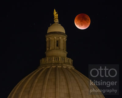 Supermoon eclipse with the dome of the Idaho State Capitol on September 27, 2015.