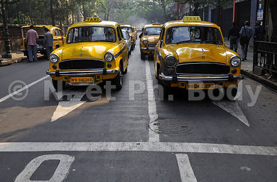 INDE, KOLKATA, CALCUTTA, TAXI AMBASSADOR, CIRCULATION//INDIA,KOLKATA, CALCUTTA, AMBASSADOR TAXI, INDIAN TRADE MARK, TRAFFIC