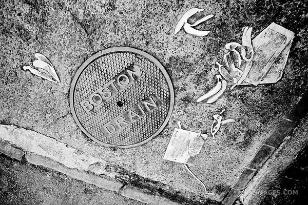 BOSTON DRAIN BOSTON BLACK AND WHITE