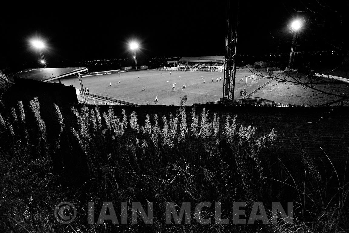 Albion Rovers..Cliftonhill Stadium, Coatbridge.3.12.13.Albion 3-2 East Stirling..Picture Copyright:.Iain McLean,.79 Earlspark Avenue,.Glasgow.G43 2HE.07901 604 365.photomclean@googlemail.com.www.iainmclean.com.All Rights Reserved.
