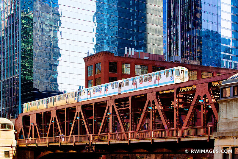EL TRAIN CHICAGO ELEVATED TRAIN CHICAGO ILLINOIS
