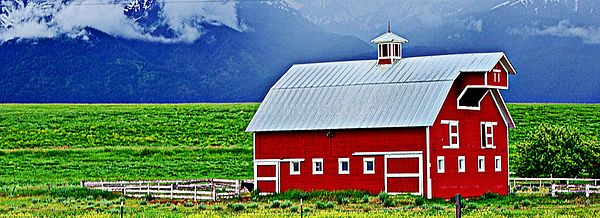 Red_barn_Wallowas