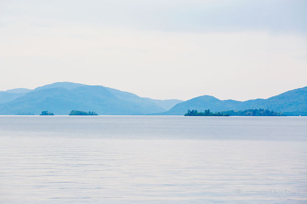 LAKE GEORGE ADIRONDACK MOUNTAINS COLOR