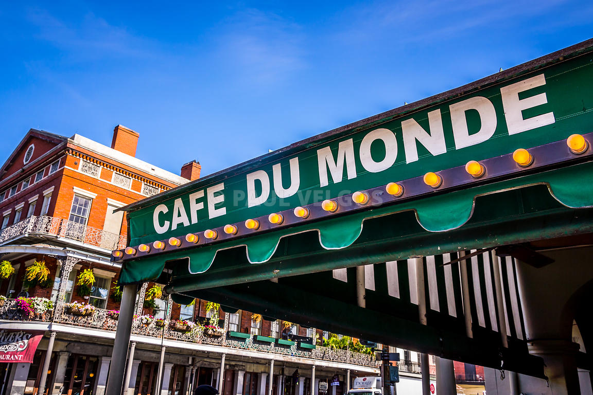 image cafe du monde picture in new orleans louisiana large canvas print buy stock photo metal. Black Bedroom Furniture Sets. Home Design Ideas