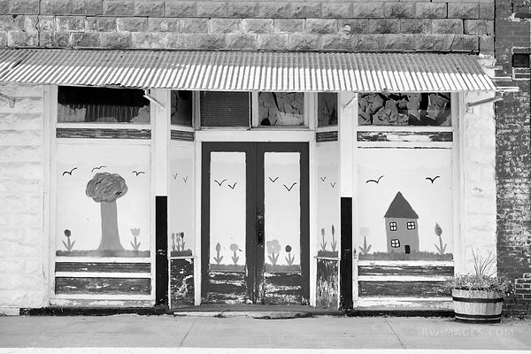DOOR TO PARADISE ROUTE 66 ILLINOIS BLACK AND WHITE