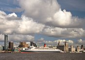 QE2 at Liverpool