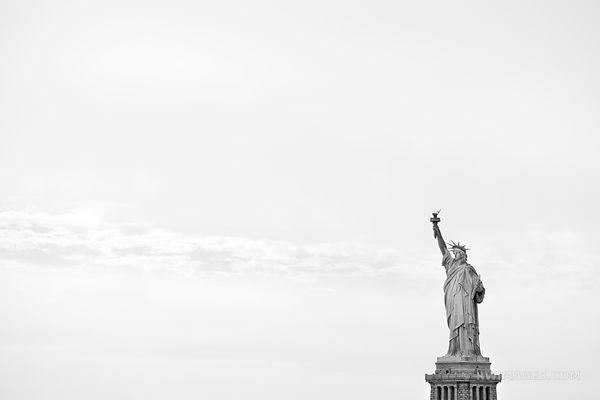 STATUE OF LIBERTY NEW YORK CITY BLACK AND WHITE
