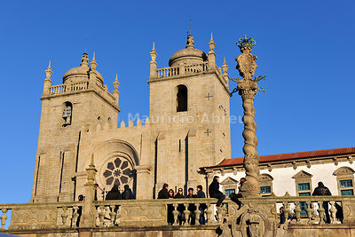 Cathedral of Oporto dating back to the 12th century, Portugal