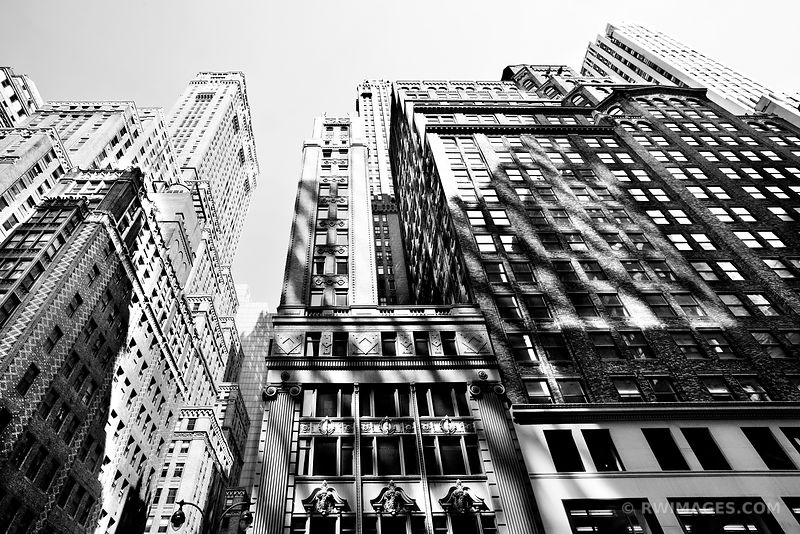 MANHATTAN NEW YORK CITY BLACK AND WHITE