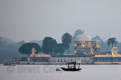 Evening view of the Lake Palace in Udaipur, made famous in the James Bond movie Octopussy, Rajasthan, India