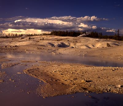 038-WL13018_Yellowstone_Geyser_Basin_Preview