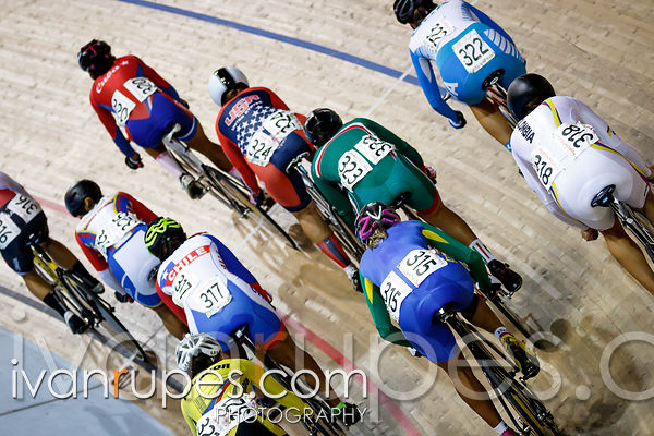 Women's Omnium Scratch Race. Track Day 3, Toronto 2015 Pan Am Games, Milton Pan Am/Parapan Am Velodrome, Milton, On; July 18, 2015