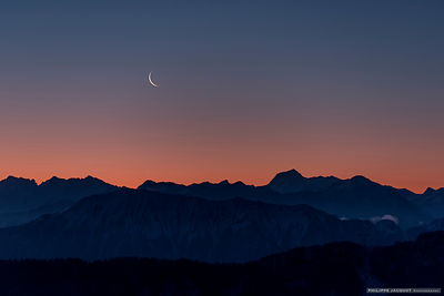 Venus and the moon at twilight - Annecy Semnoz