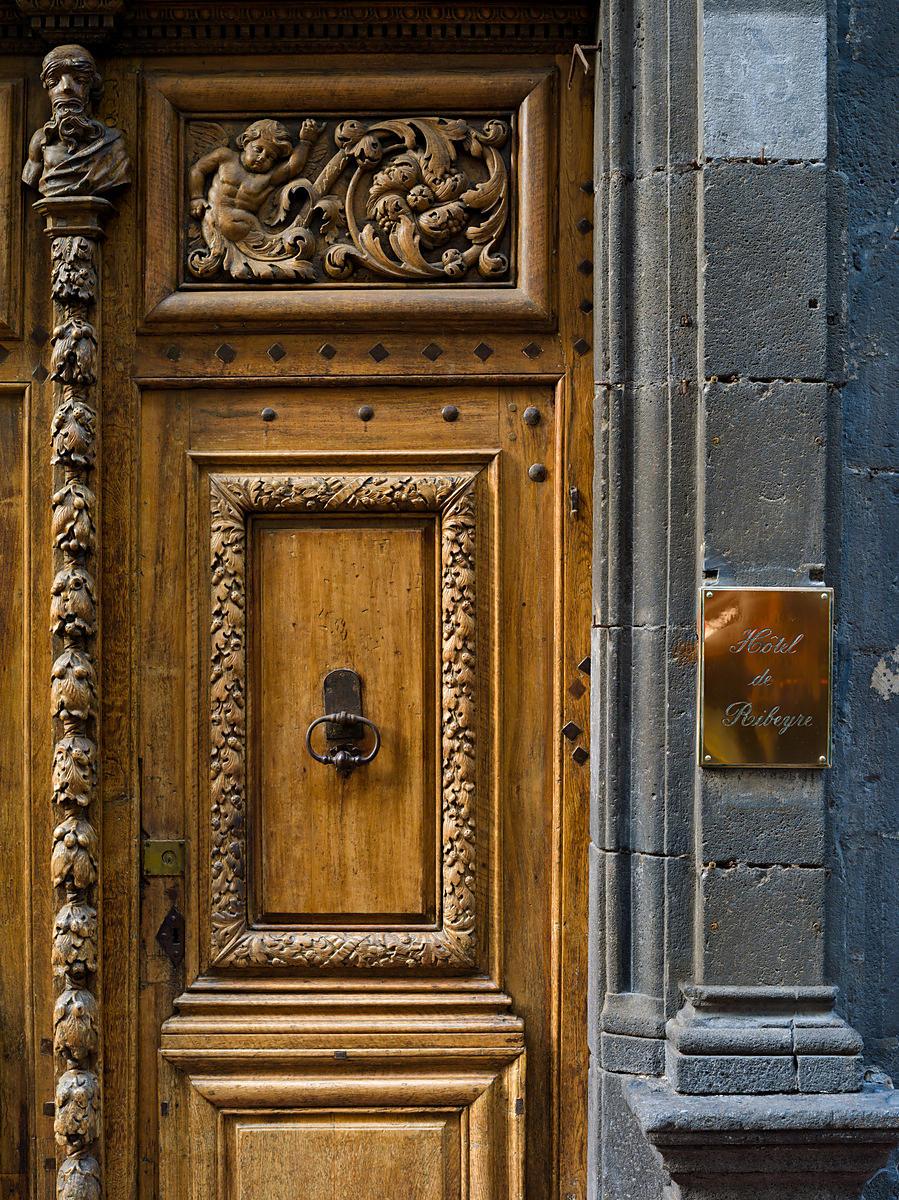 Phototh que arnaud frich d tail de la porte de l 39 h tel de ribeyre rue du port clermont ferrand - Rue du port clermont ferrand ...