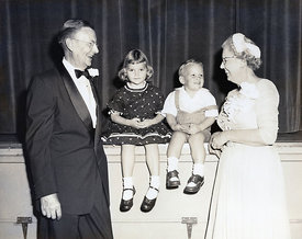17_Jim_Kathy_Grandma_Grandpa_Petersen