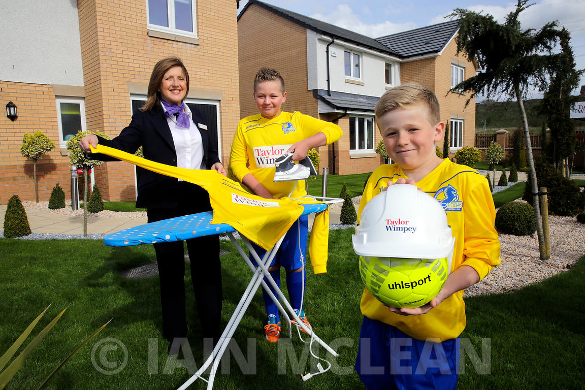 Taylor Wimpey Smithstone development, Croy..4.5.15.Cumbernauld Colts show off their new sponsored Taylor Wimpey strip at the development with TW Sales Executive Liz Robertson...Free PR use for Taylor Wimpey..More info and Press Release from:.Hazel Taylor at Red Angel PR..7 Bonaly Wester.Colinton.Edinburgh.EH13 0RQ.Tel: 0131 441 9803.M: 07709 317 289.hazel.taylor@redangelpr.co.uk..Pictures Copyright: Iain McLean.79 Earlspark Avenue.G43 2HE.07901 604 365.www.iainmclean.com.photomclean@googlemail.com.07901 604 365.ALL RIGHTS RESERVED.NO SYNDICATION.