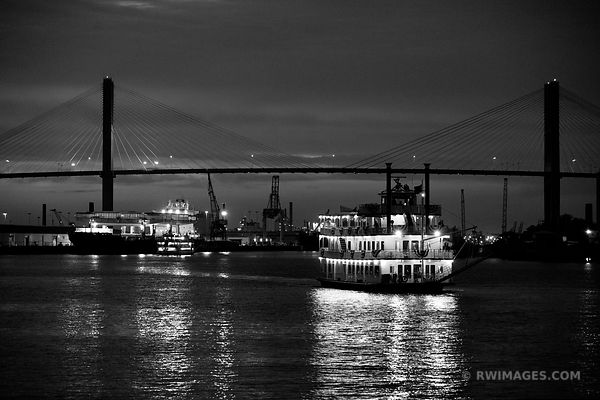 SAVANNAH GEORGIA BLACK AND WHITE