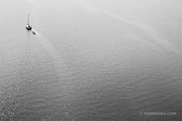 SAILBOAT ON WILLAMETTE RIVER PORTLAND OREGON BLACK AND WHITE