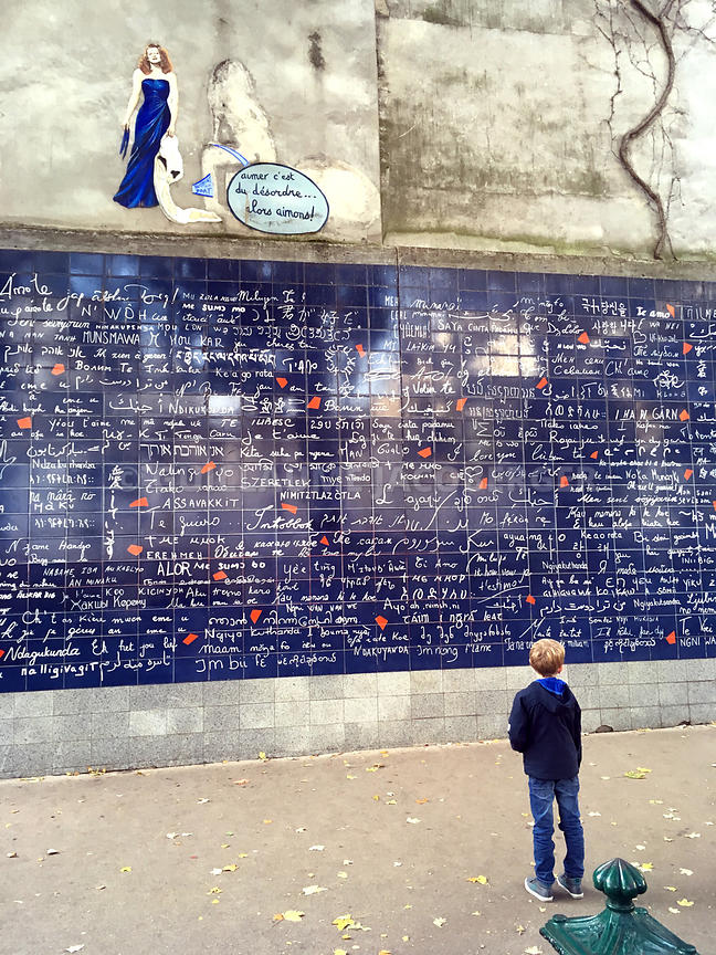 Wall-of-Love-Montmartre-Paris-02