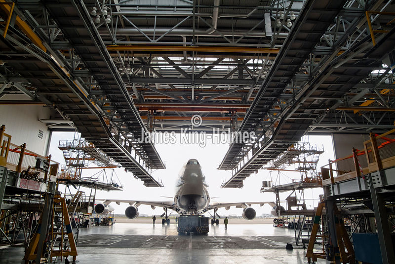 Boeing 747 docks for maintenance